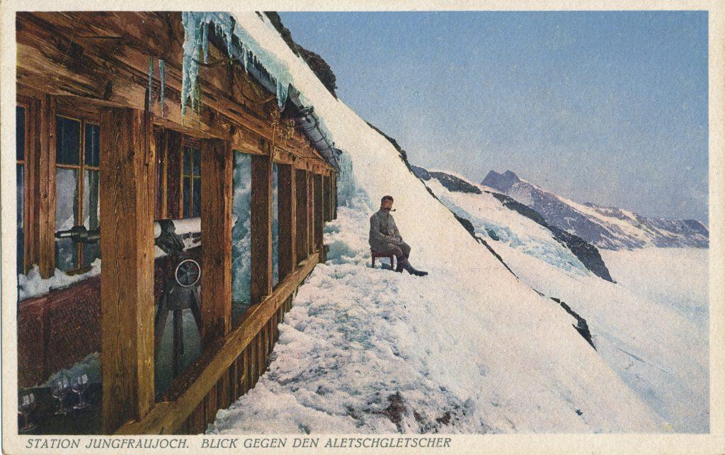 雪山の男性(Man in a snowy mountain)