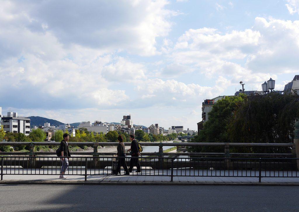 現在の三条大橋2(The present Sanjo Ohashi2)